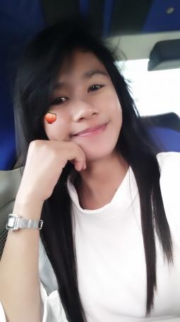 Rose, 24, Indonesia