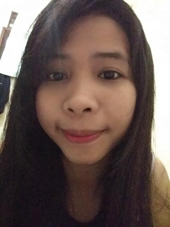 Idaa Sinaga, 22, Indonesia